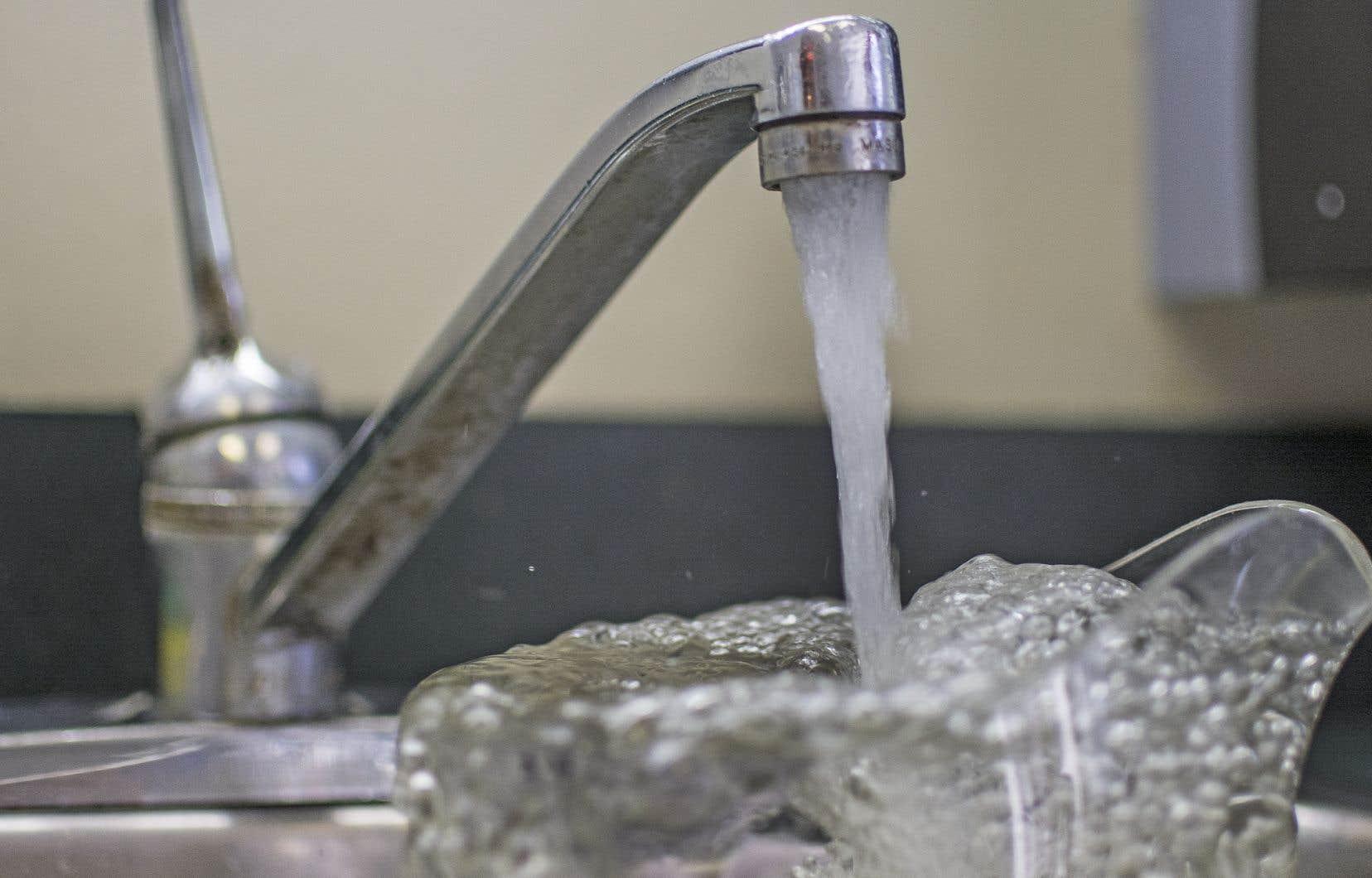 Les méthodes utilisées pour mesurer le plomb dans l'eau potable de tous les Québécois camouflent des résultats élevés et potentiellement dangereux pour la santé.