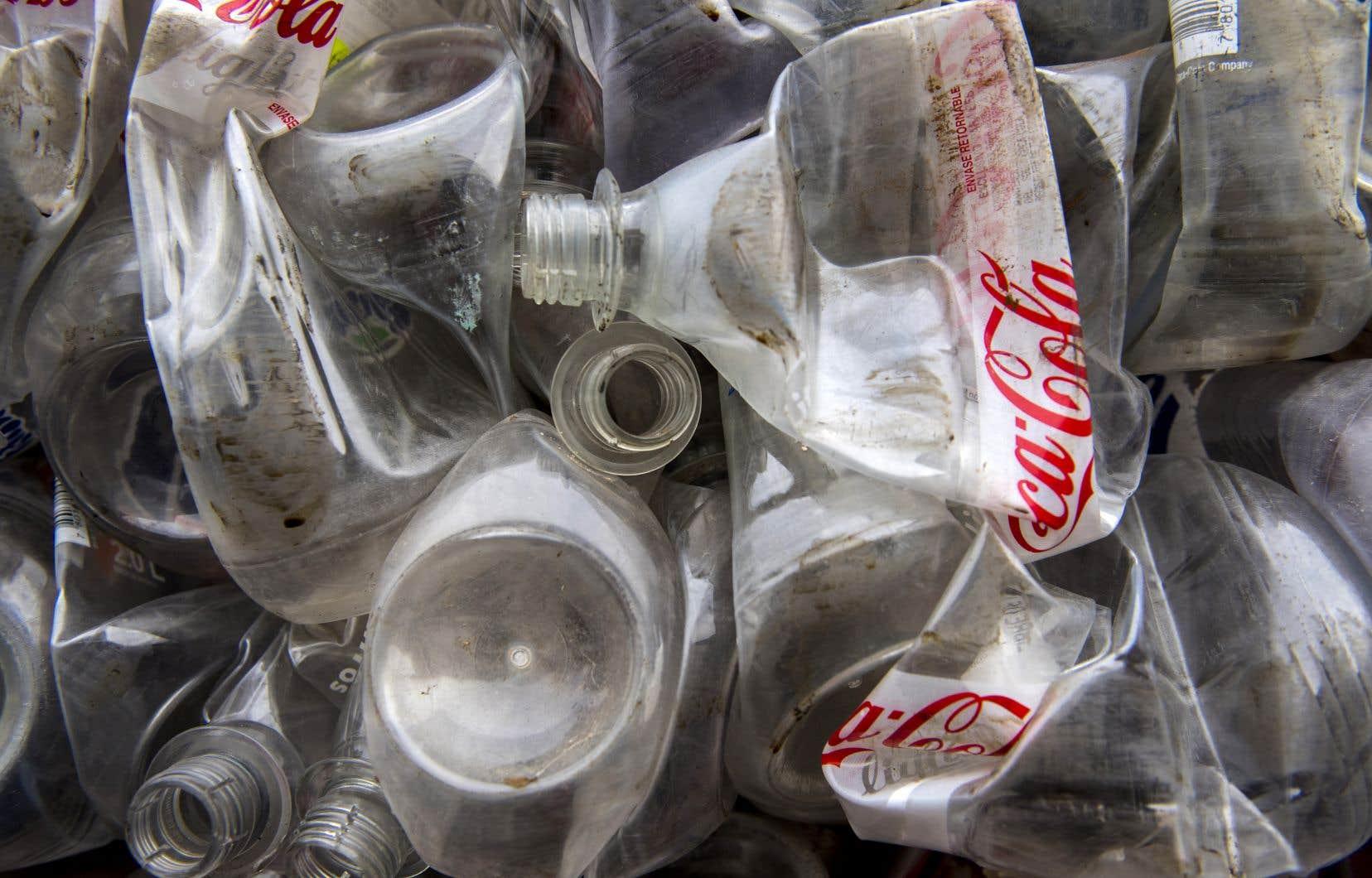 Pour la deuxième année consécutive, Coca-Cola s'est classée au premier rang des pollueurs avec 11732 déchets plastiques collectés dans 37 pays sur quatre continents.
