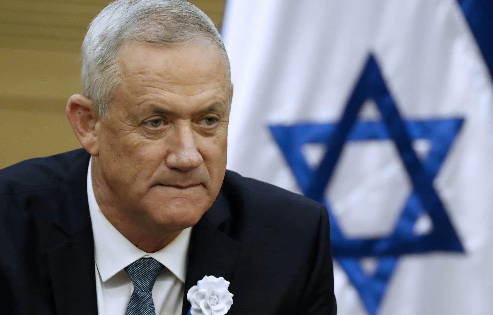 Benny Gantz est loin d'avoir assez de partenaires pour franchir le seuil des 61 députés — la majorité absolue à la Knesset.