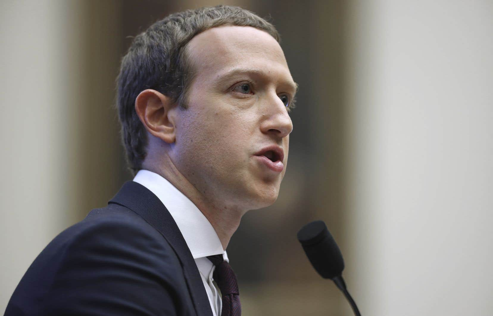 Le fondateur de Facebook, Mark Zuckerberg, a été soumis à un barrage de questions sur la monnaie libra lors de son audience devant le Congrès américain mercredi.