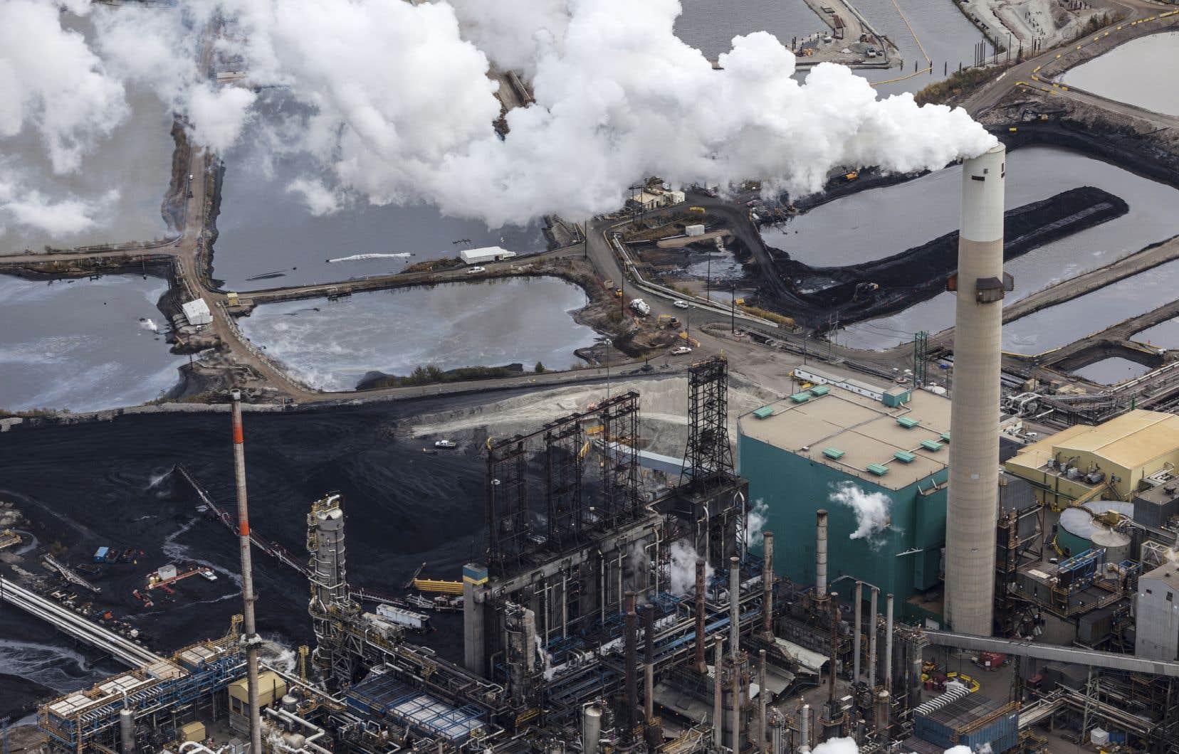«Les problèmes économiques de l'Alberta sont dus au fait qu'elle a tout misé sur le pétrole», estime l'auteur.