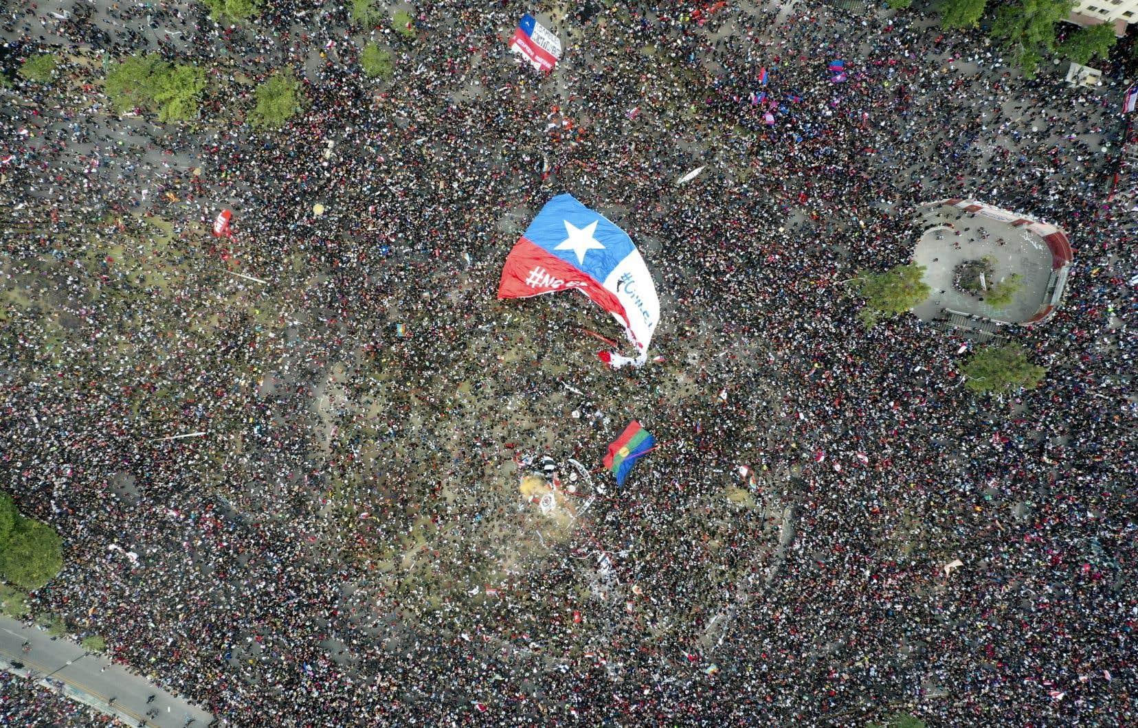 Avec plus d'un million de personnes mobilisées dans les rues du pays, la contestation ne se limite plus aux seules revendications des plus défavorisés.