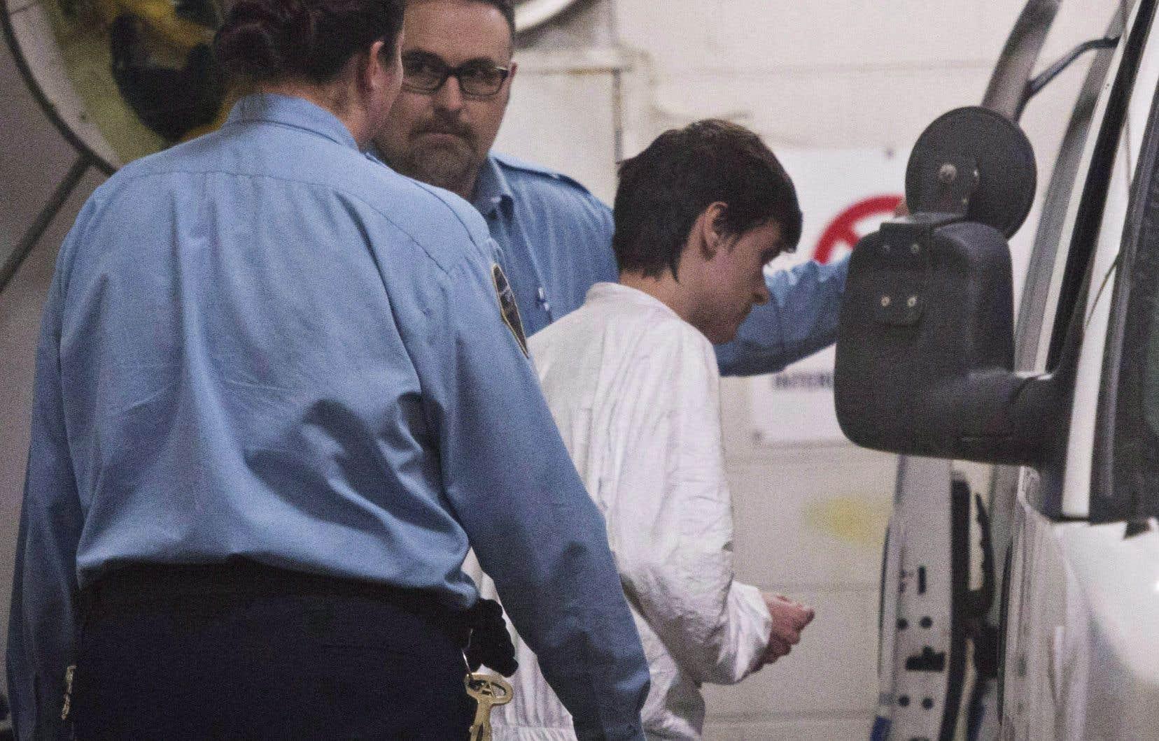 La peine de prison à vie assortie d'une période d'emprisonnement minimale de 40ans imposée à Alexandre Bissonnette a été portée en appel par la Couronne et par la défense.