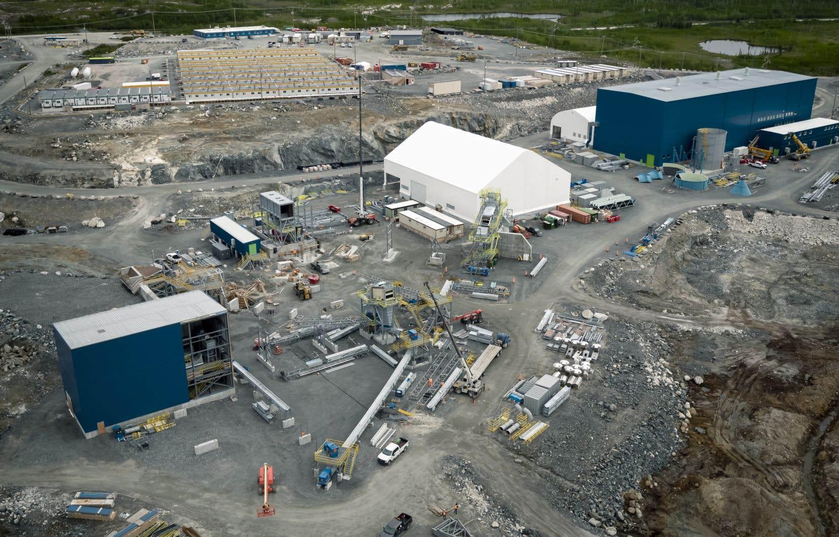 Le coût du projet de la société québécoise Nemaska Lithium a subi des dépassements et maintenant il est établi à 1,3milliard de dollars, dont 130millions de dollars proviennent du gouvernement québécois.