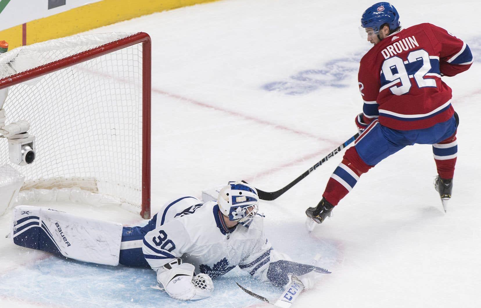 Grâce à sa soirée de deux buts, samedi, Jonathan Drouin a rejoint le groupe de tête chez les pointeurs du Canadien de Montréal cette saison.