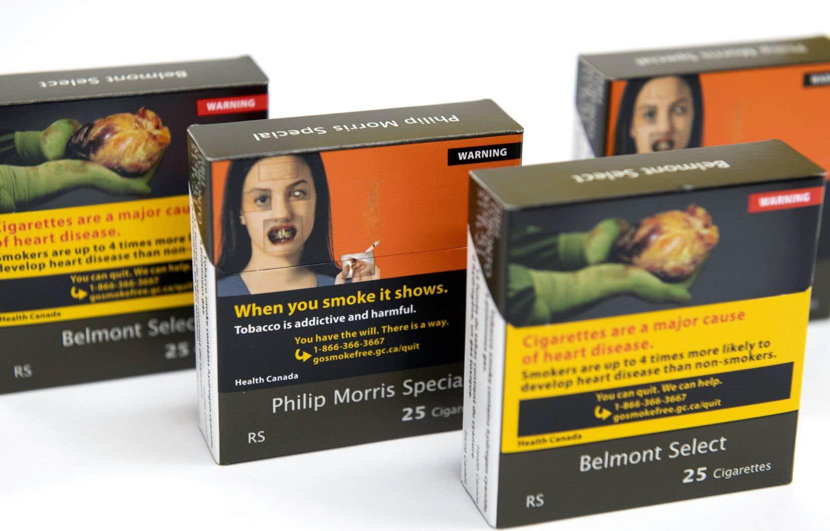 Tous les emballages auront la même couleur de base brune et incluront le même texte de base gris et une apparence minimaliste conformément aux nouvelles exigences.