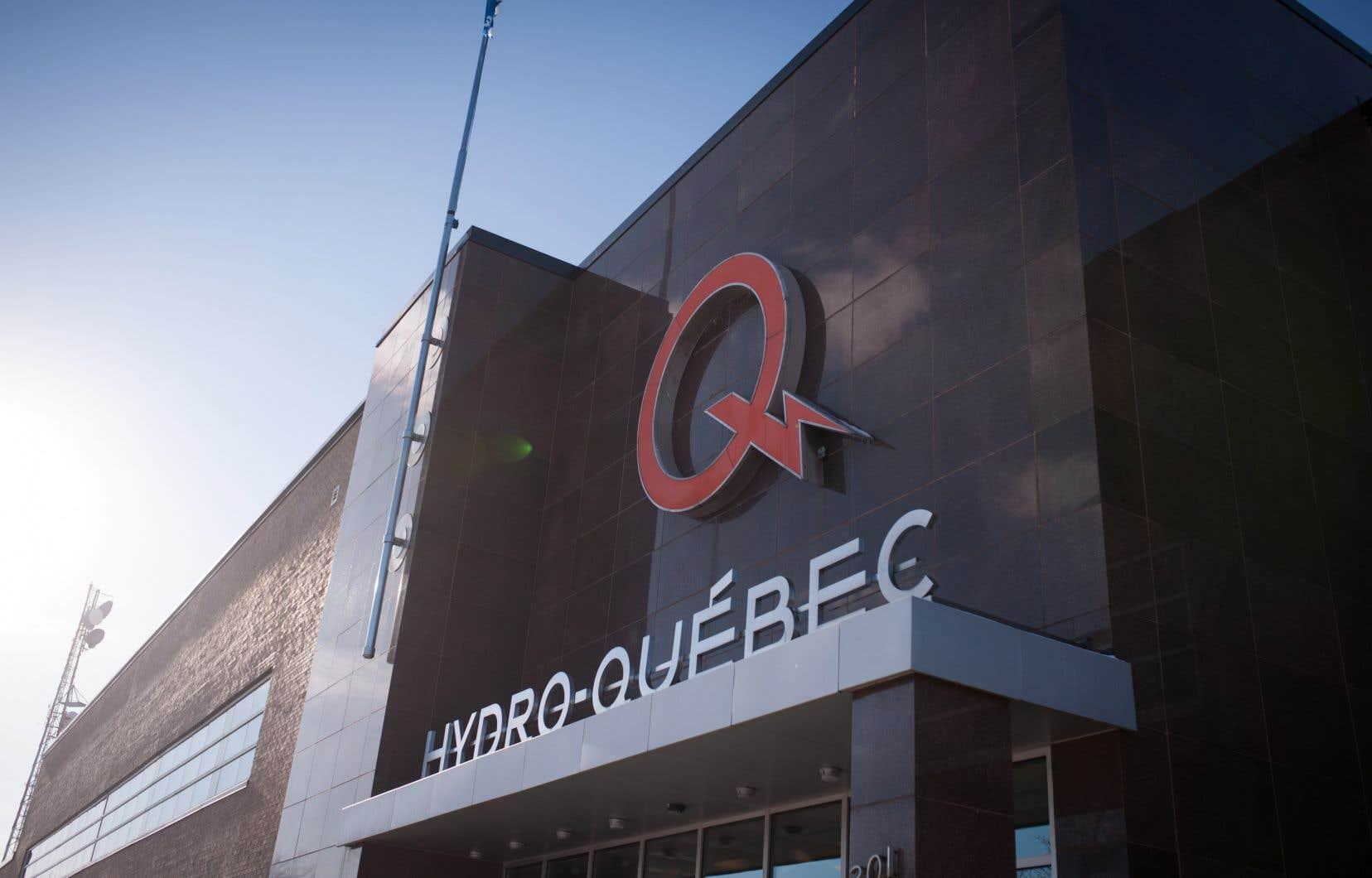 «Le retrait de pouvoirs centraux de la Régie aura pour effet de diminuer son indépendance et de réduire le pouvoir de surveillance et de contrôle des activités d'Hydro-Québec», indiquent les auteurs.
