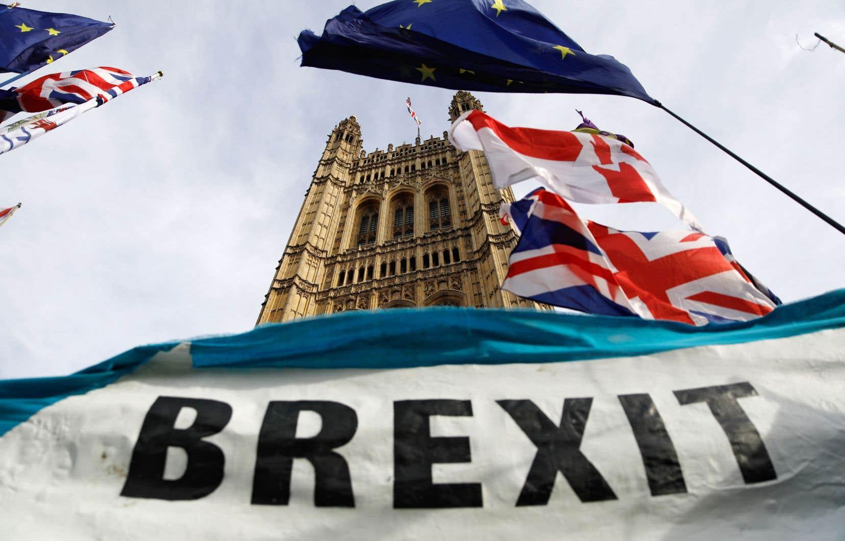 Le camp conservateur de Boris Johnson mise sur la lassitude des Britanniques pour aller chercher une majorité à Westminster et sortir de l'impasse du Brexit.