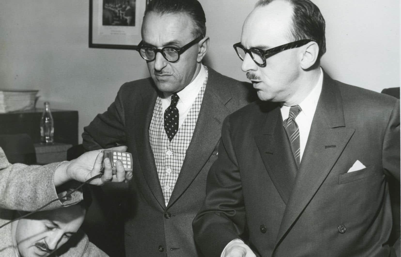 Pacifique «Pax» Plante et Jean Drapeau, lors de sa victoire à la mairie de Montréal en octobre 1954