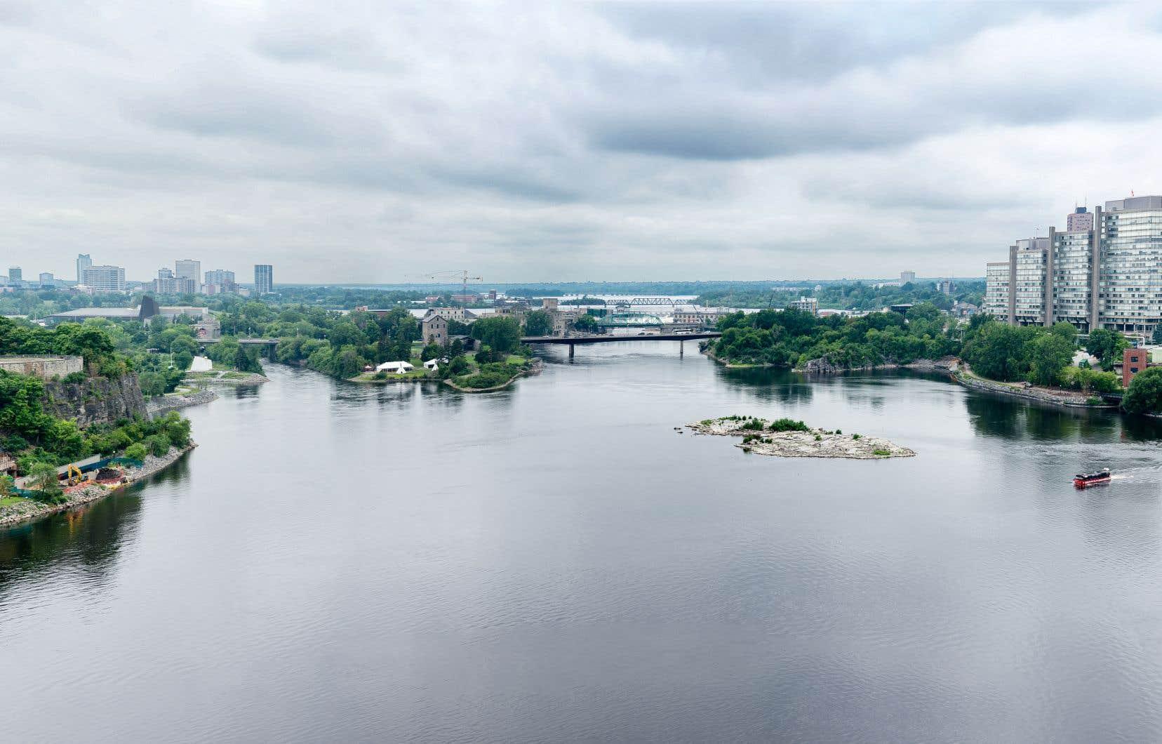 L'eau de la rivière des Outaouais est traitée différemment à Ottawa et à Gatineau.