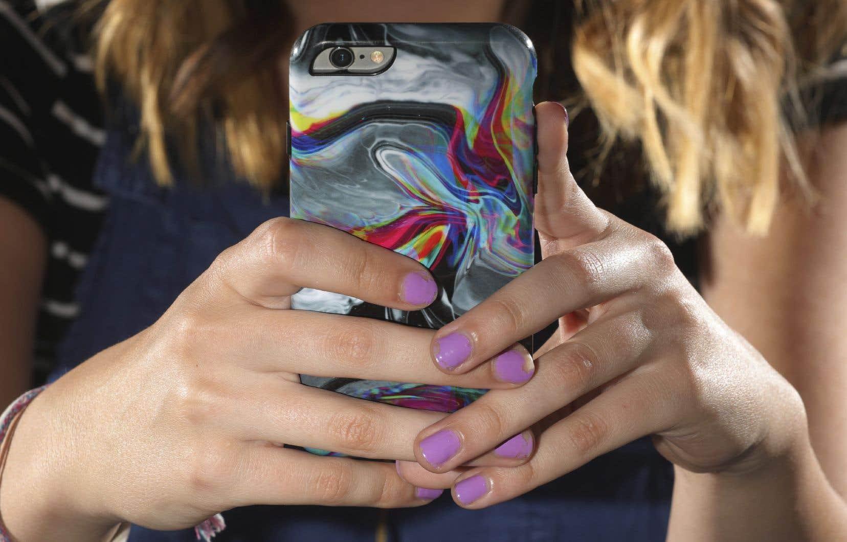 Certaines écoles ontariennes avaient déjà banni l'usage du cellulaire en classe.