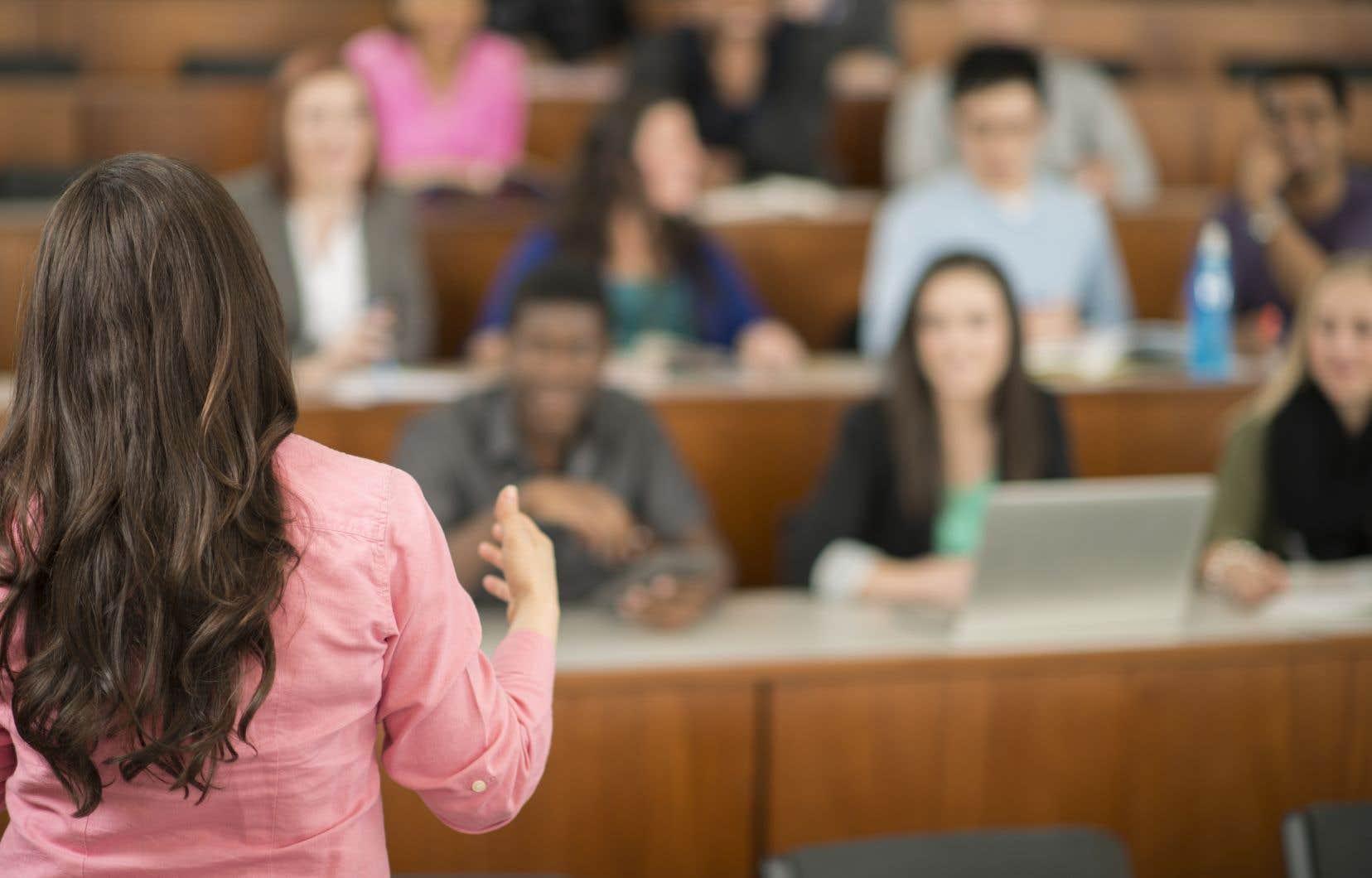 «Nous avons les moyens, collectivement, de soutenir adéquatement les enseignants», réitère l'auteure.