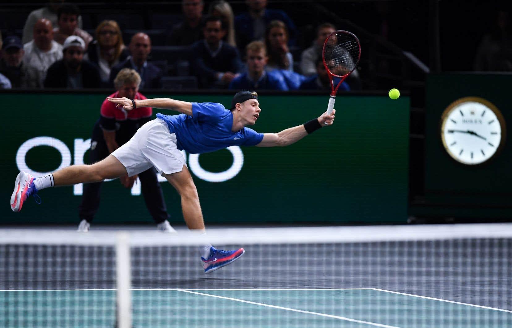 Le tennisman de Richmond Hill, en Ontario, a signé de belles victoires en Asie, avant d'évincer des joueurs du top-15.