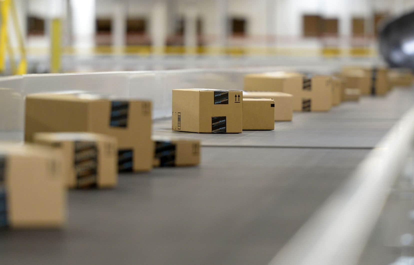Amazon investit massivement dans la rapidité de ses livraisons.