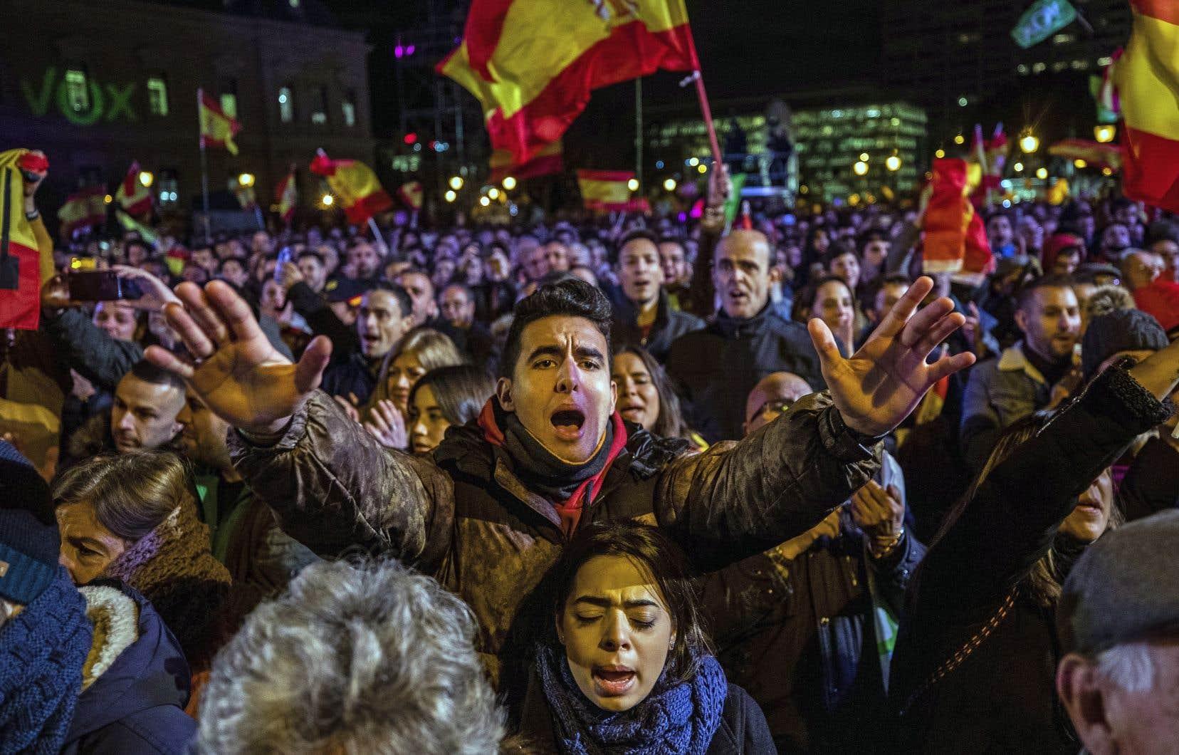 Les partisans de la formation d'extrême droite Vox se sont rassemblés à Madrid vendredi. Les Espagnols sont appelés aux urnes pour la quatrième fois en quatre ans.