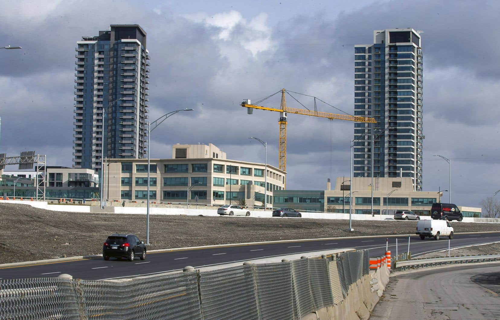 Avec la construction d'une station du REM, dans l'axe du pont Samuel-De Champlain, le secteur nord de L'Île-des-Sœurs est appelé à devenir un quartier à haute densité privilégiant le transport actif et collectif.