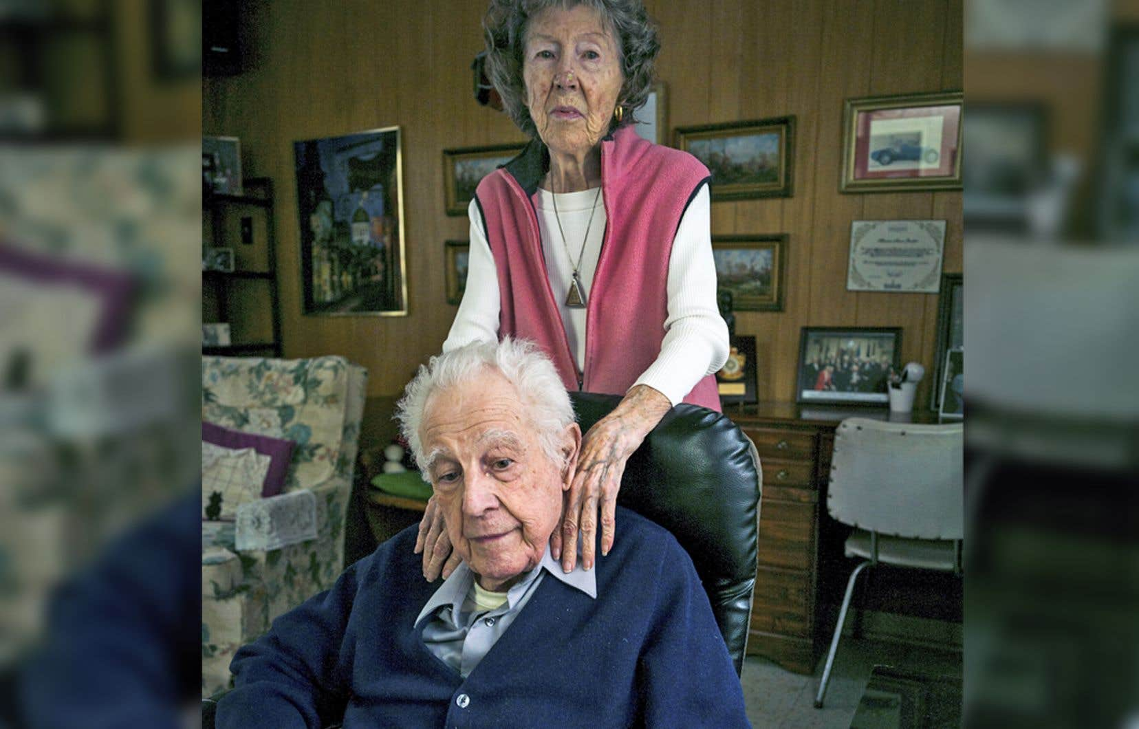 Helen Hartnell et Pierre Gauthier se sont rencontrés à Londres durant la Seconde Guerre mondiale et vivent toujours ensemble, près de Montréal.