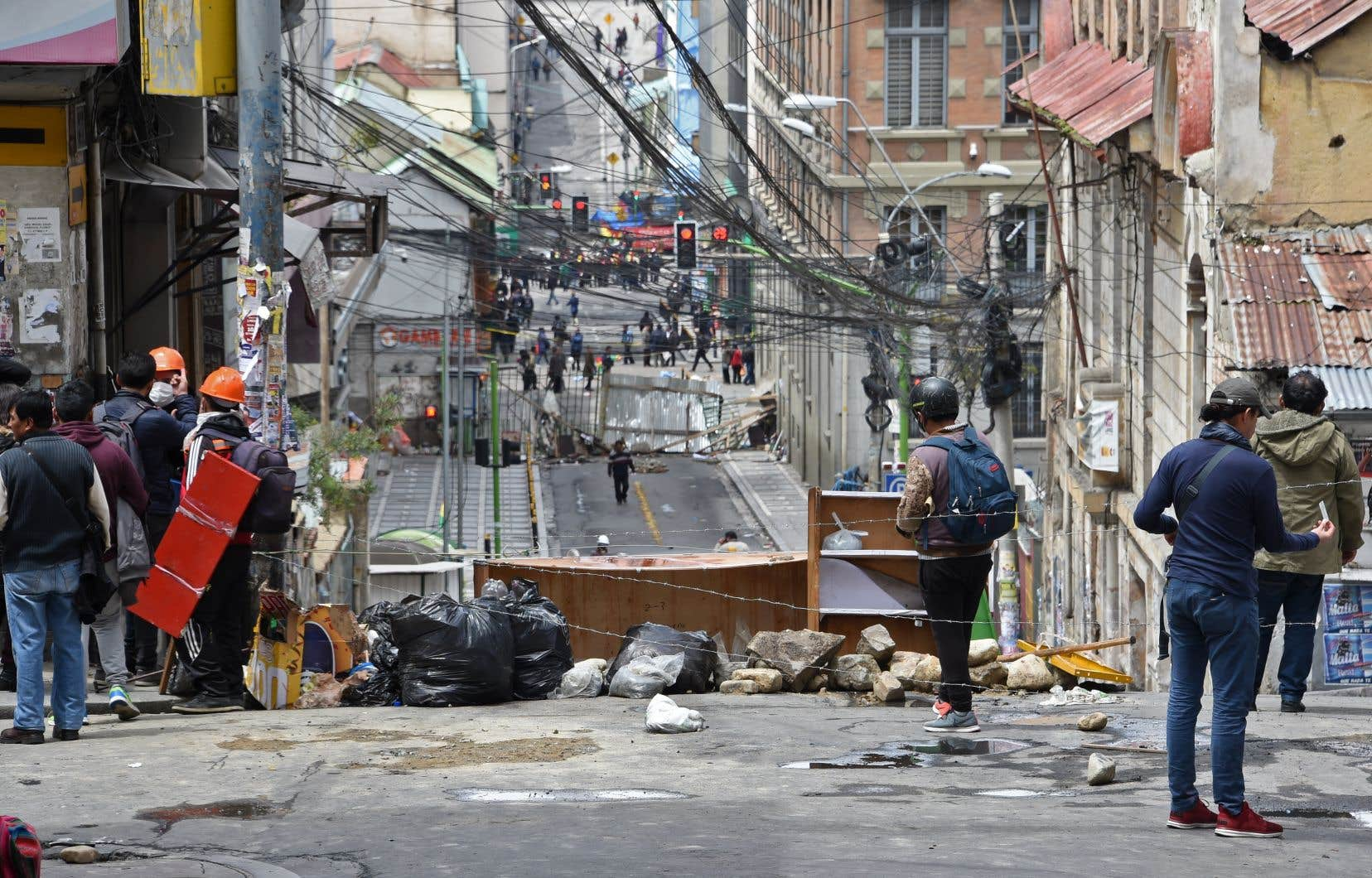 Morales a été lâché par l'armée dimanche, après trois semaines de violentes manifestation.