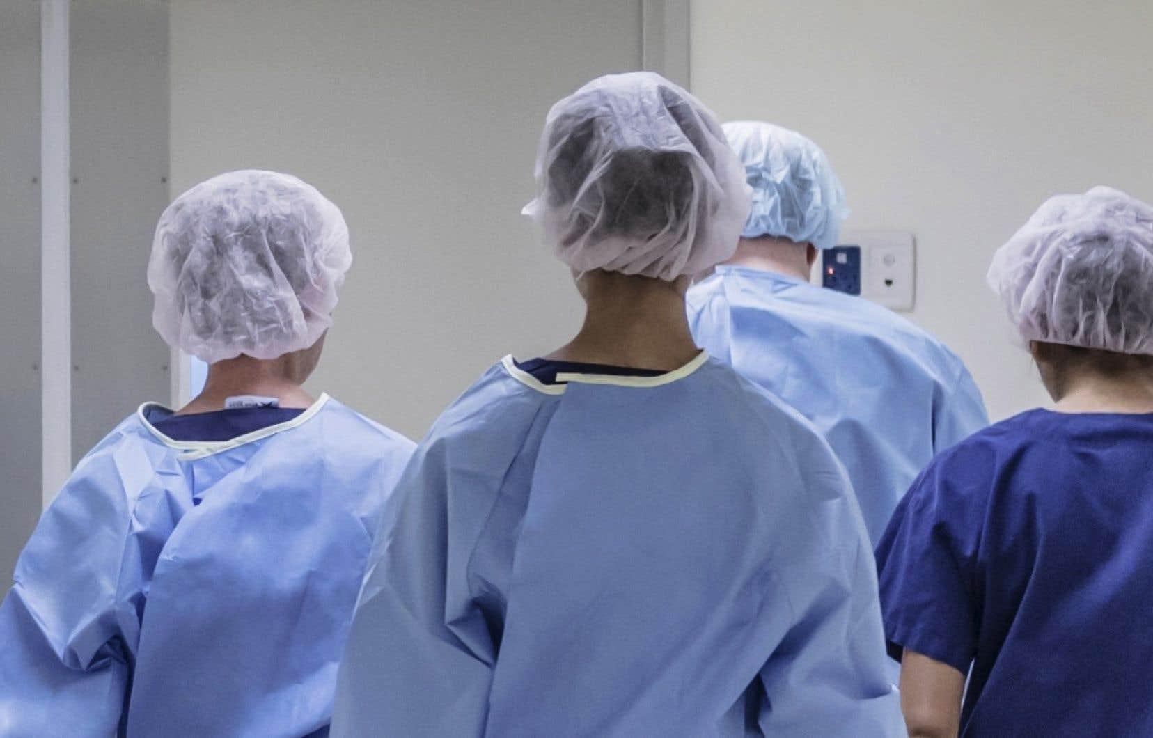 Pour les infirmières de la FIQ, ces 24 heures sans heures supplémentaires obligatoires constitueront «une journée où elles ne seront pas prises en otage», avait illustré la FIQ lors de son annonce.