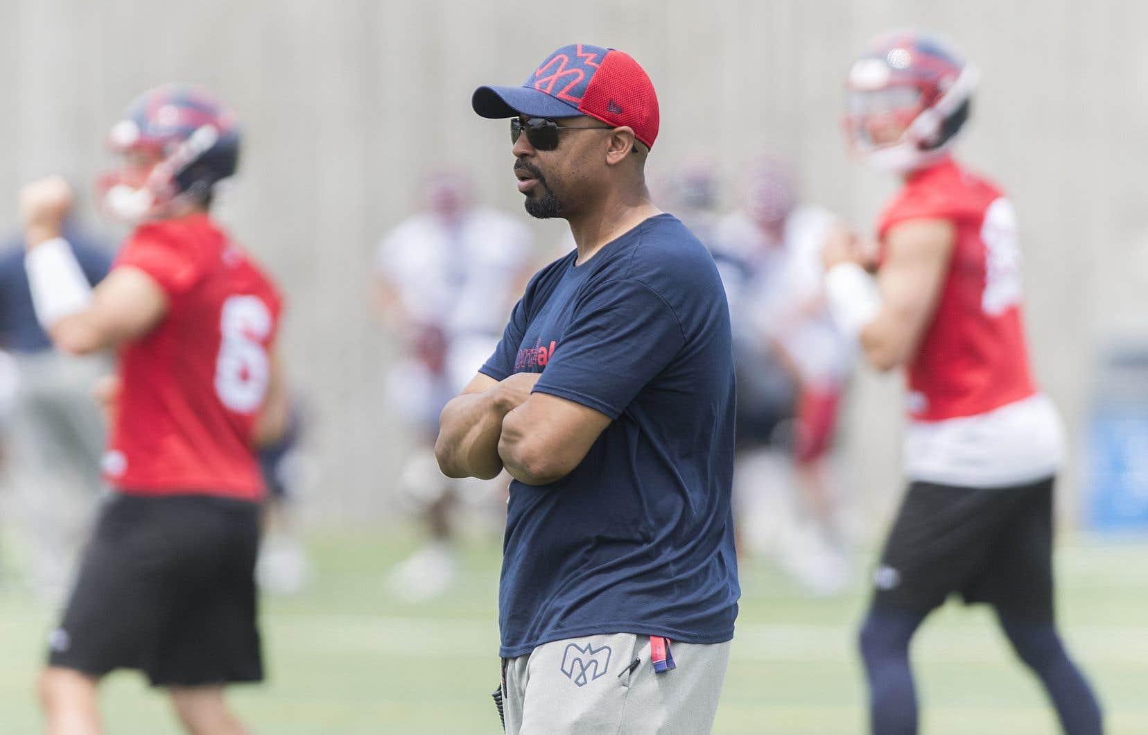 L'entraîneur-chef des Alouettes, Khari Jones, ne sait pas ce qui l'attend pour la saison 2020.