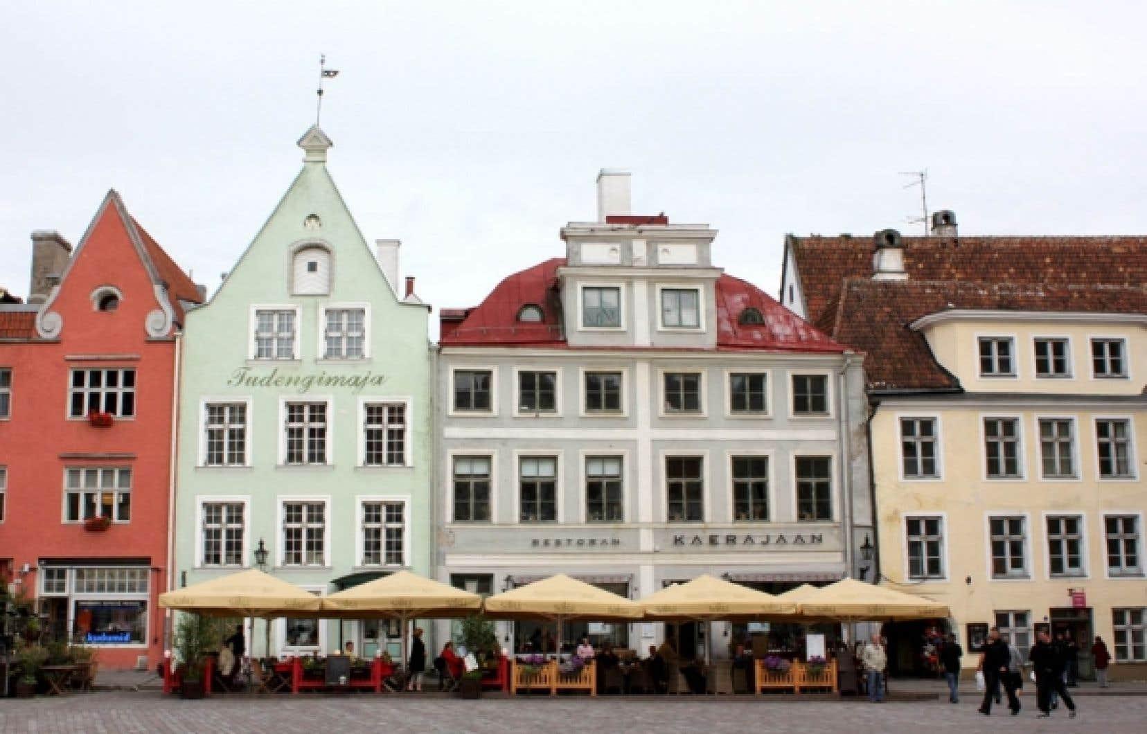 La place Raekoja à Tallinn<br />