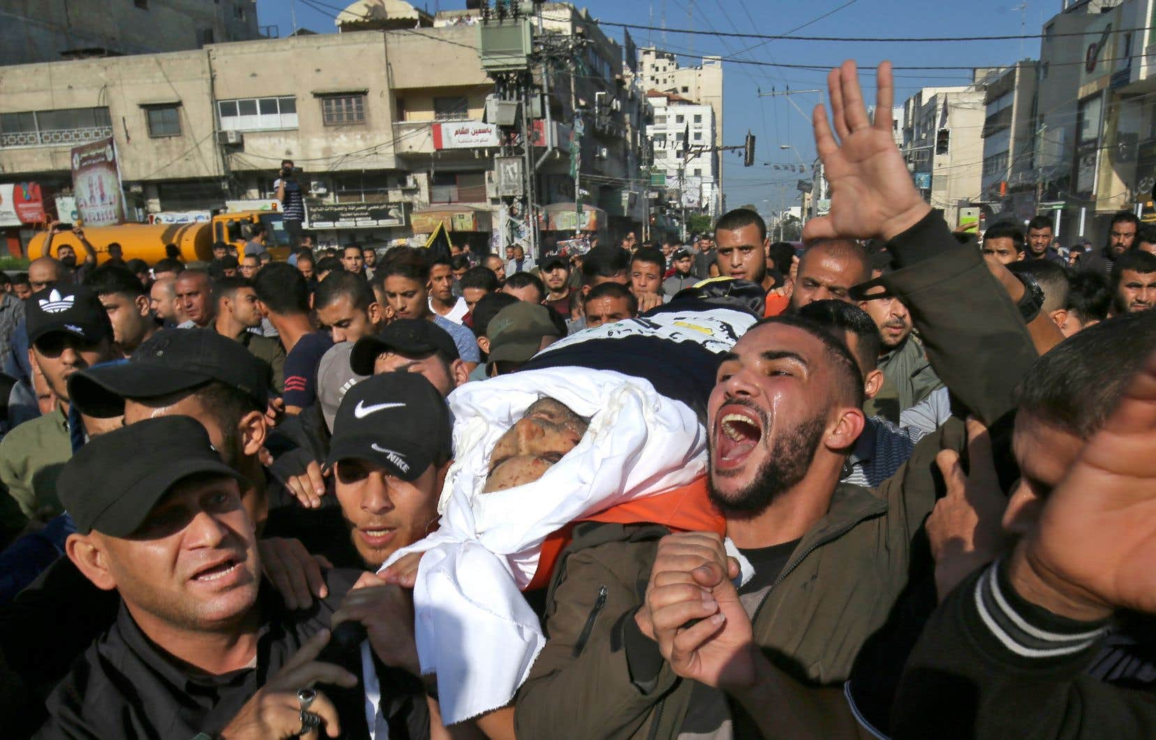 Des partisans du Djihad islamique ont pleuré mardi la mort de Baha Abou al-Ata, un haut commandant tué la veille par une attaque de l'aviation israélienne.
