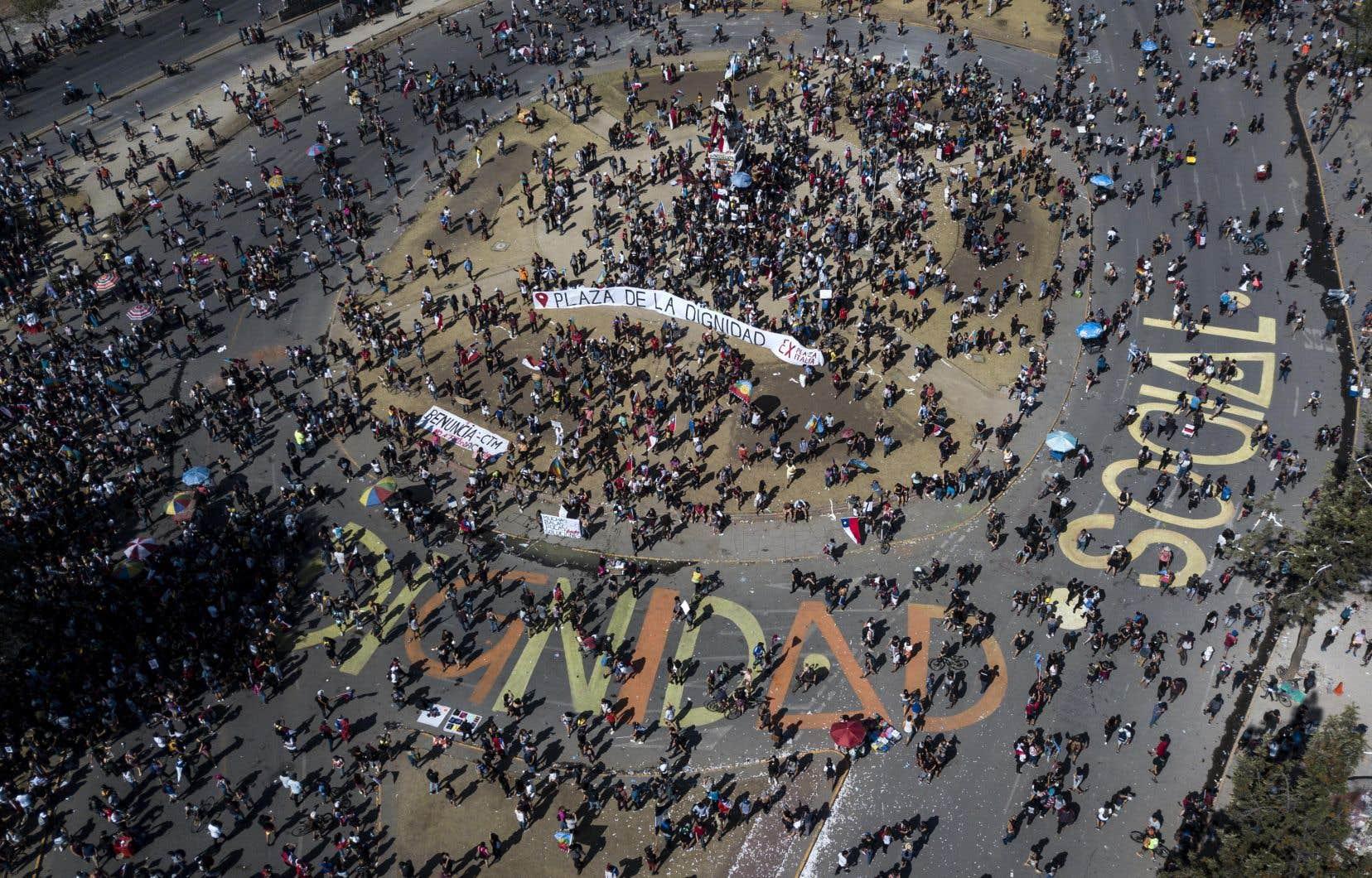 Un rassemblement contre le gouvernement chilien à Santiago, mardi