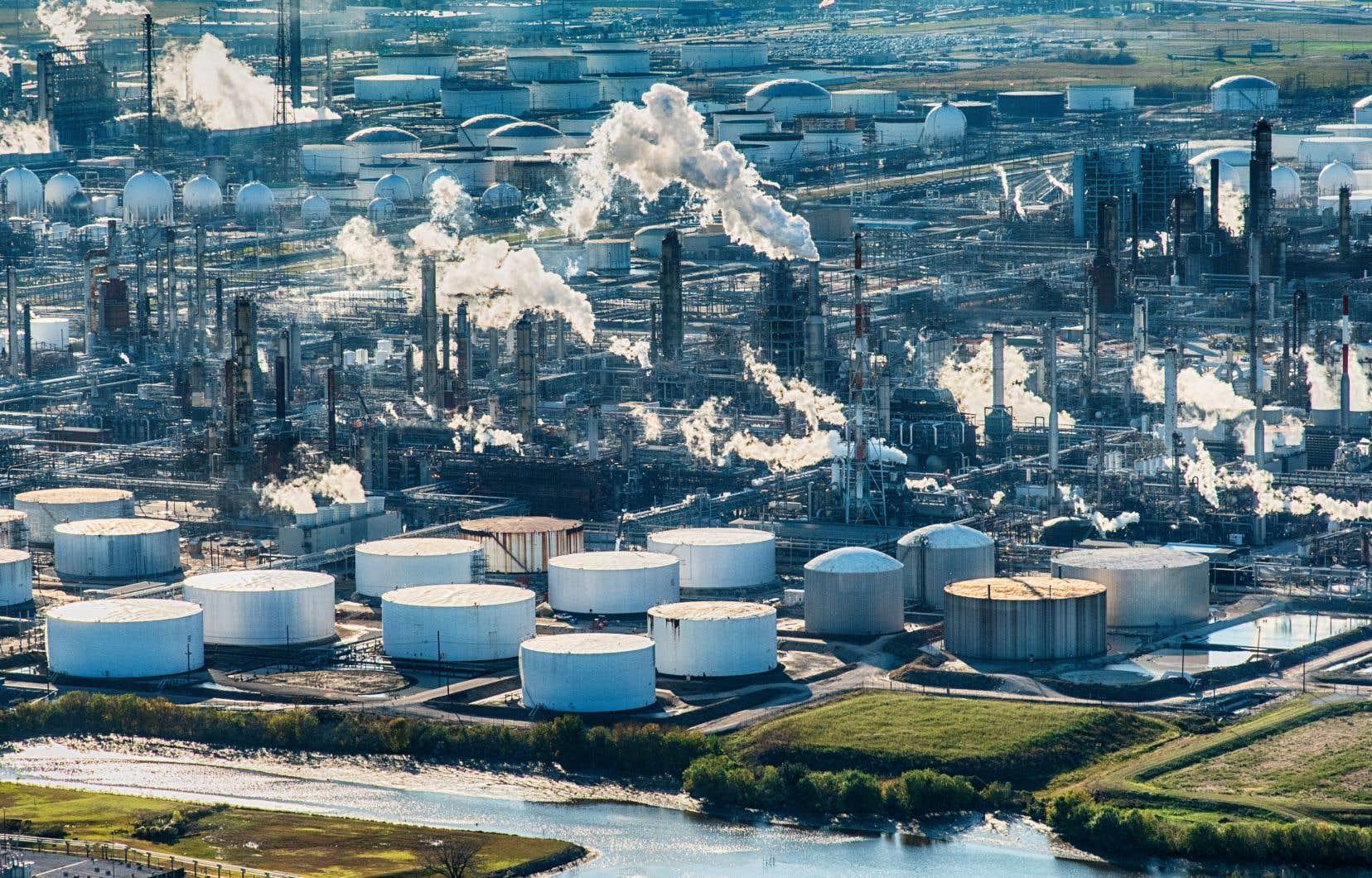 La baisse attendue de la consommation de pétrole dans les pays de l'OCDE sera plus qu'effacée par la hausse de la demande dans les pays émergents.