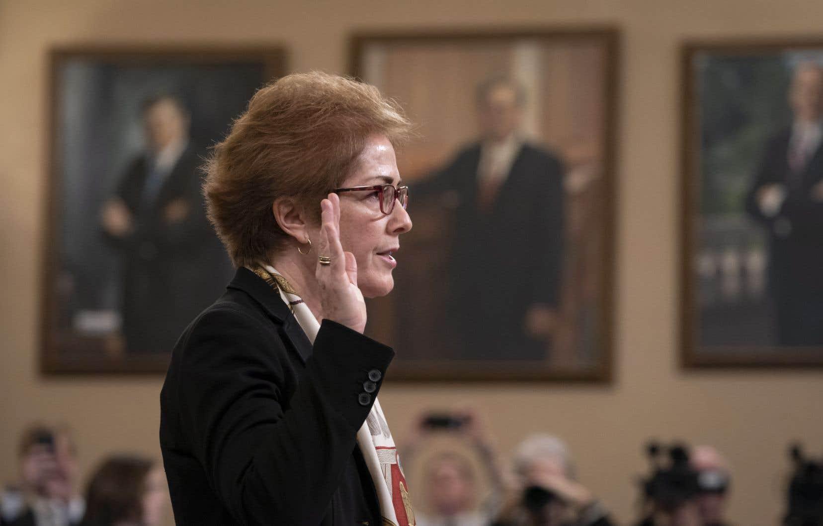 Marie Yovanovitch, une diplomate de carrière, a été rappelée en urgence en mai à Washington après avoir fait l'objet d'une campagne de dénigrement menée notamment par l'avocat personnel de Donald Trump, Rudy Giuliani.