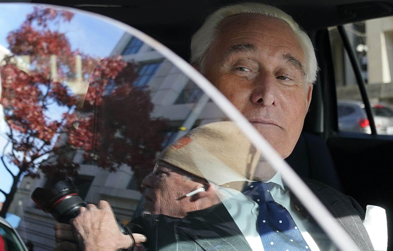 Roger Stone, ancien conseiller de longue date de Donald Trump, risque 20 ans de prison.