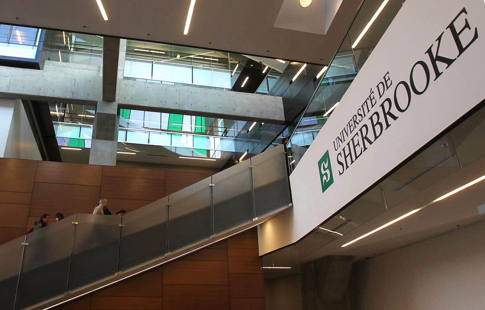 La politique adoptée cette semaine par l'Université de Sherbrooke s'inscrit dans cette reconnaissance de la différence, explique Kim Lagueux-Dugal, registraire de l'UdeS.