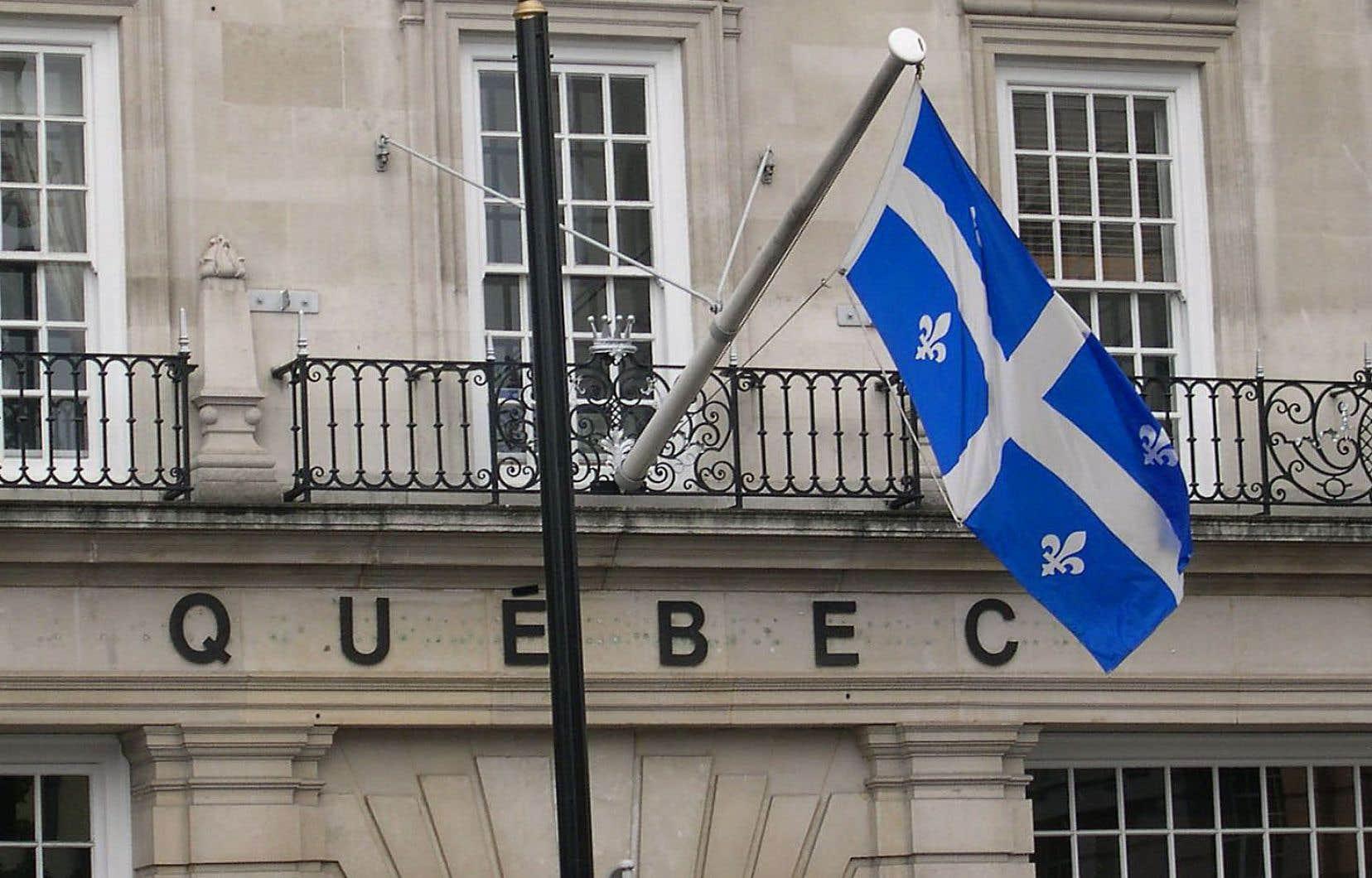 «L'administration québécoise s'est elle-même détournée de l'objet de la loi 101 en offrant au public directement et systématiquement des services en anglais», croit l'auteur.