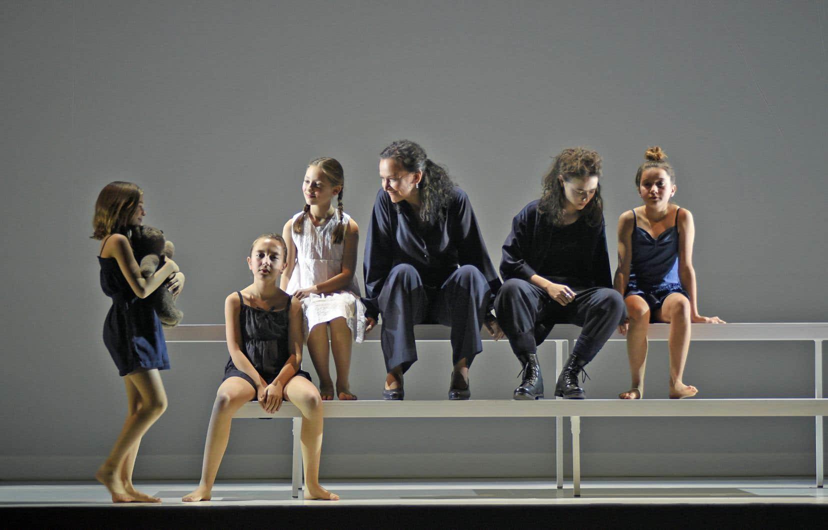 La pièce «Fleuve», présentée au TNM, est adaptée des romans autofictionnels de Sylvie Drapeau («Le fleuve», «Le ciel», «L'enfer» et «La terre»).