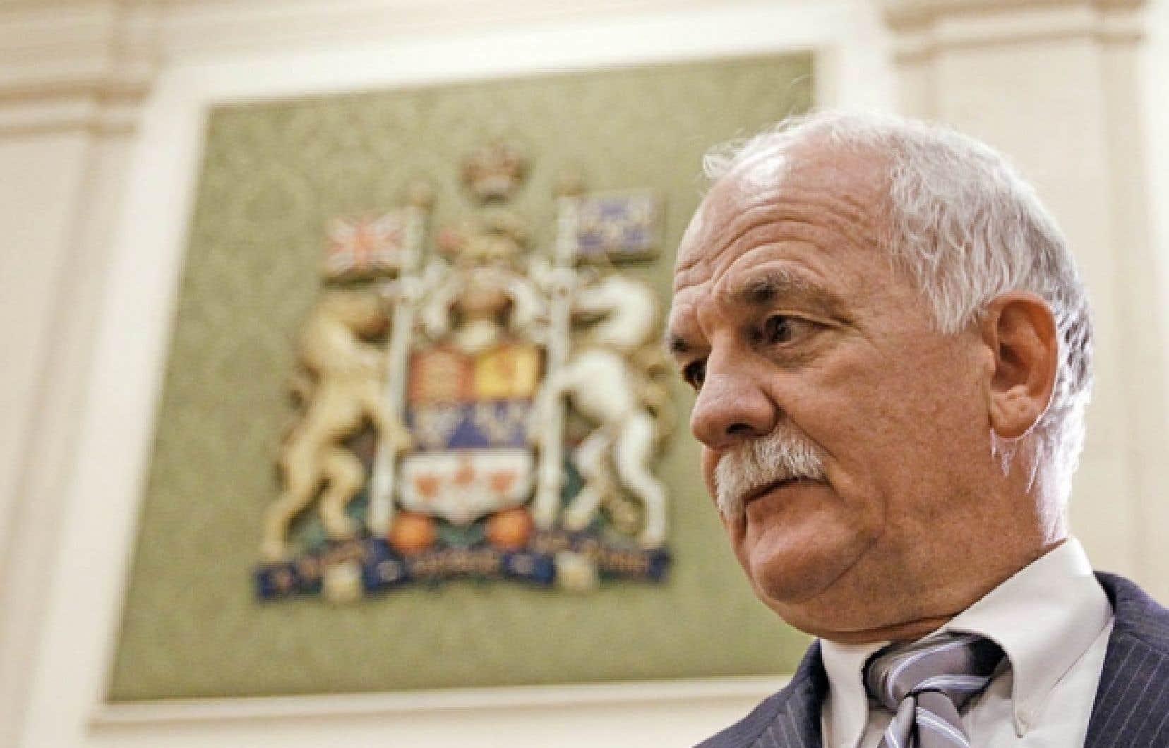 Le ministre de la Sécurité publique, Vic Toews, a tenté de justifier devant le comité permanent de la sécurité publique les frais de près d'un milliard de dollars qu'a coûté la sécurité du G8 et du G20. <br />