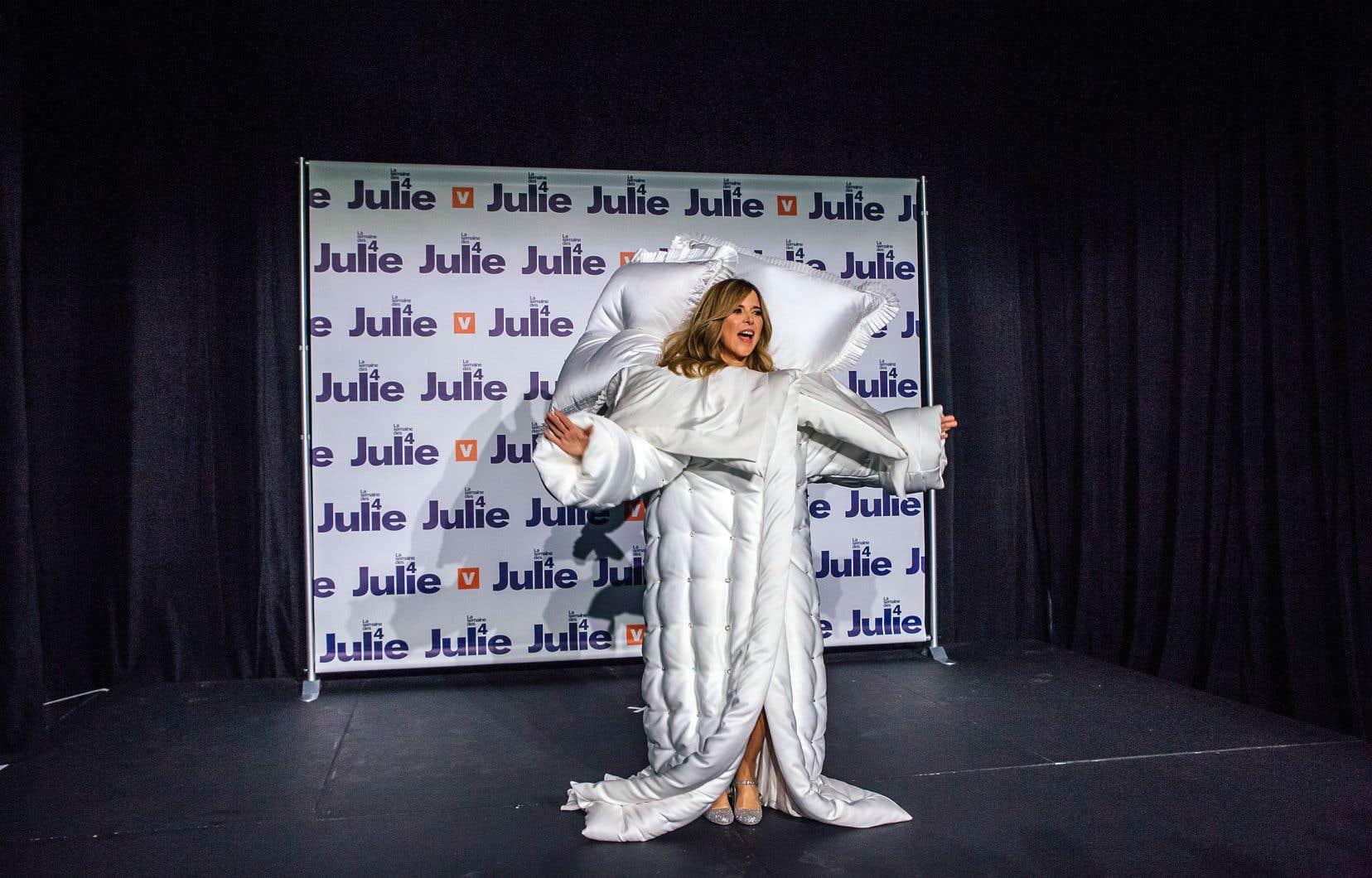 Julie Snyder, lors de l'annonce de son retour télévisuel, mardi