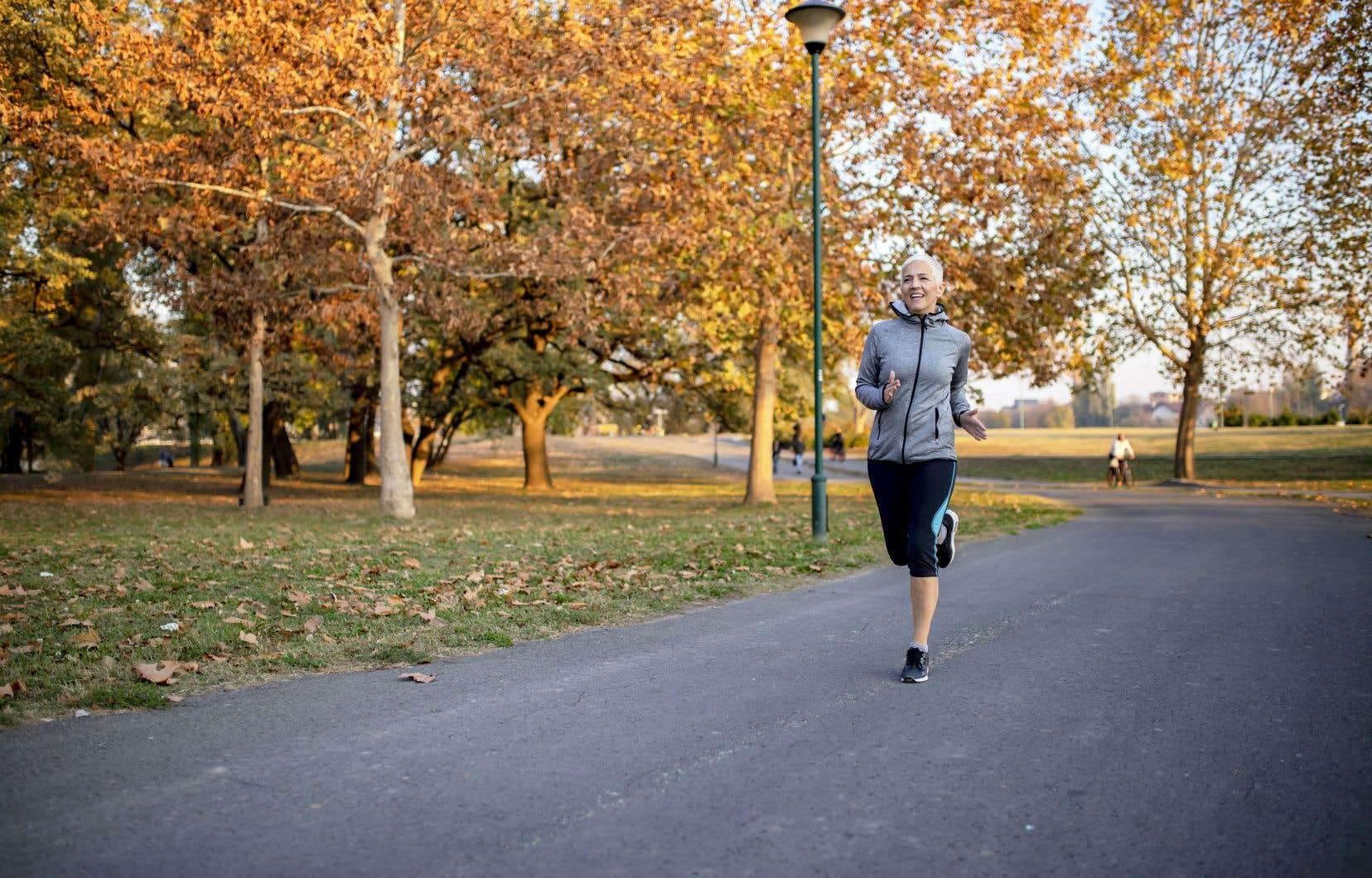 En pratiquant des exercices physiques et cognitifs, il est possible de contrer les effets du vieillissement, croit Denis Fortier.