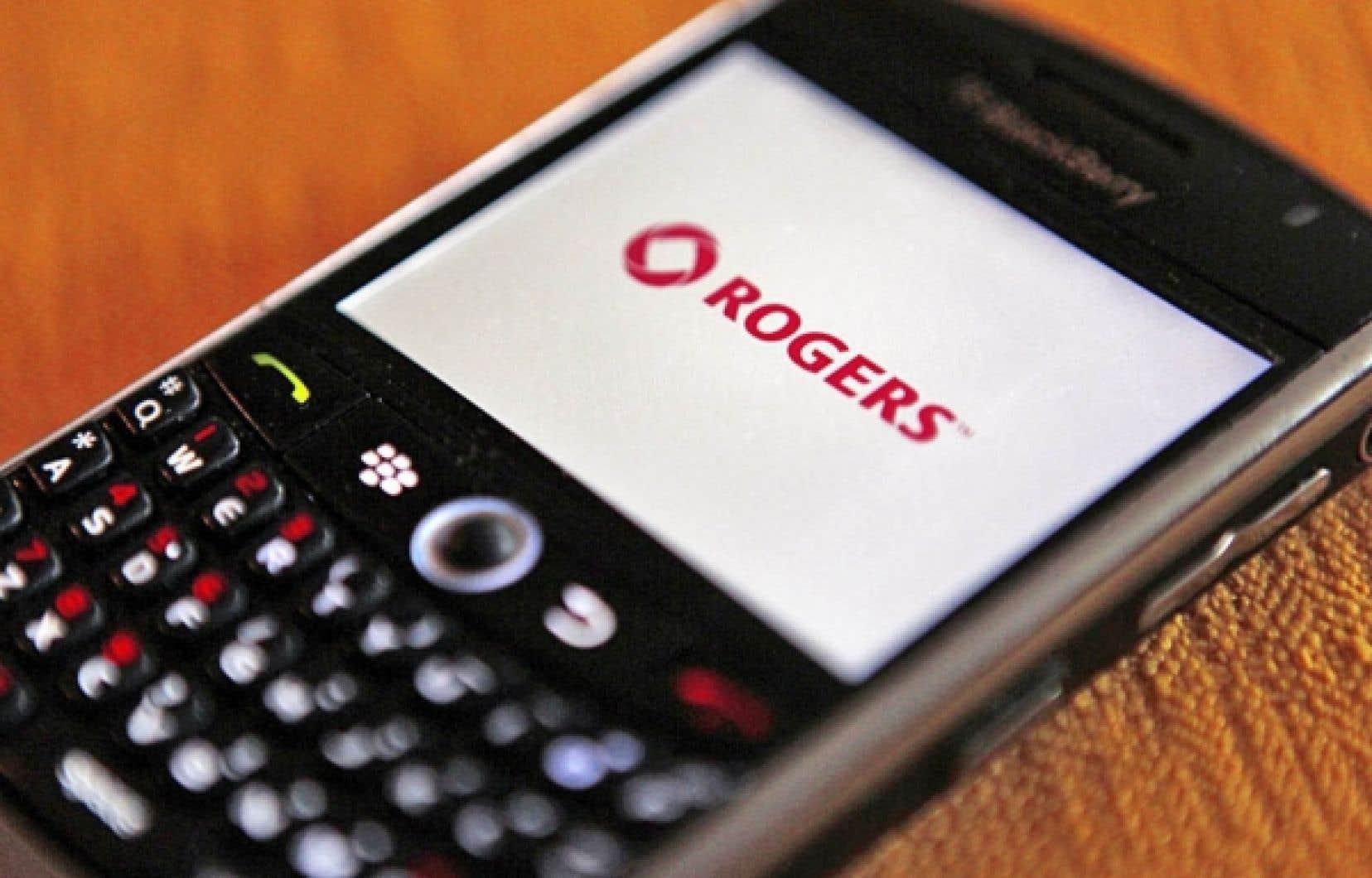 Rob Bruce a précisé que Rogers avait procédé à une restructuration majeure à l'interne au cours de l'année afin de réduire les coûts.