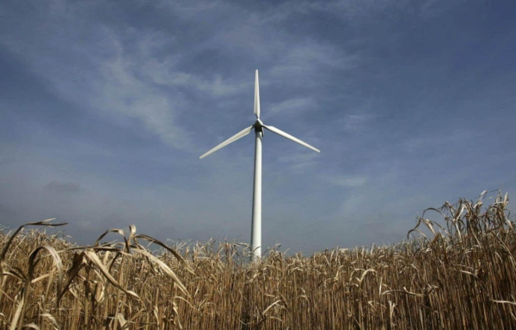 Le Conseil régional de l'environnement de Chaudière-Appalaches et l'Association québécoise de lutte contre la pollution atmosphérique sont d'accord pour la réalisation d'un parc éolien au sommet du Massif du Sud, une montagne de 700 mètres.<br />