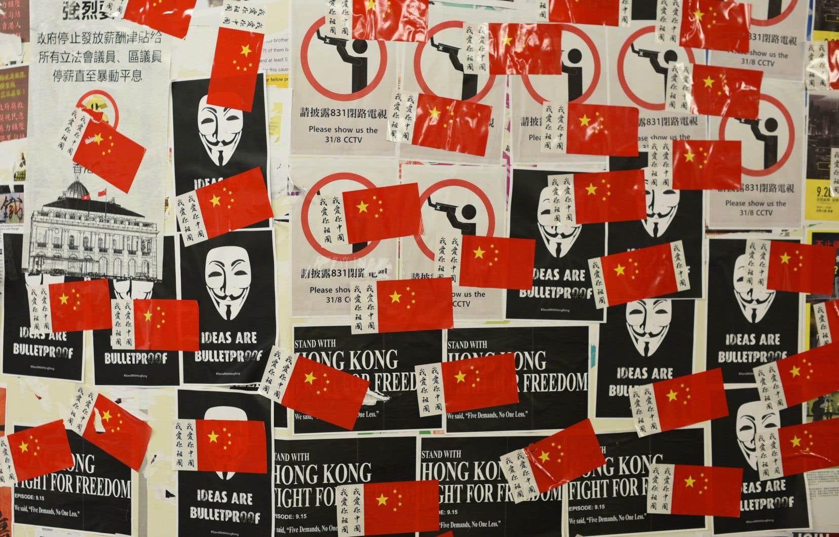 À Hong Kong, l'espion transfige affirme avoir fait partie d'une opération secrète dont l'objectif était de contrer le mouvement pro-démocratie qui secoue le territoire autonome depuis juin.
