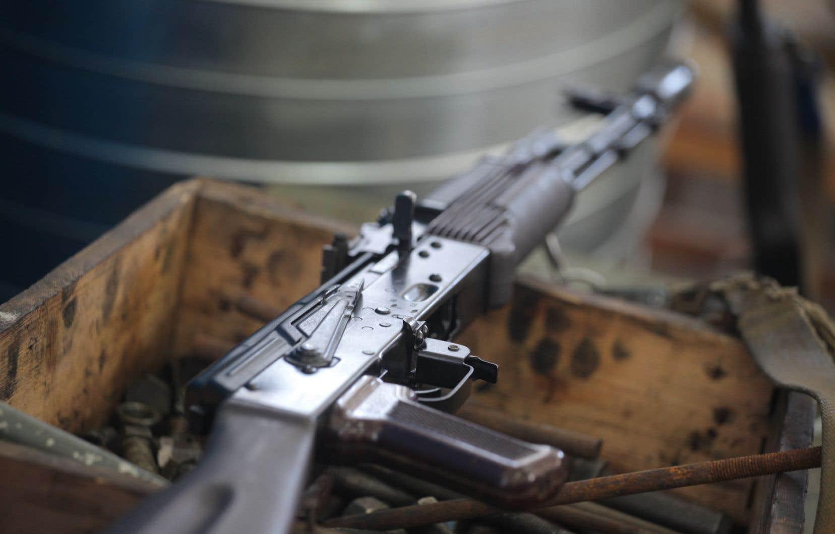 La Kalashnikov est probablement l'arme légère ayant fait le plus de victimes au XXe siècle.