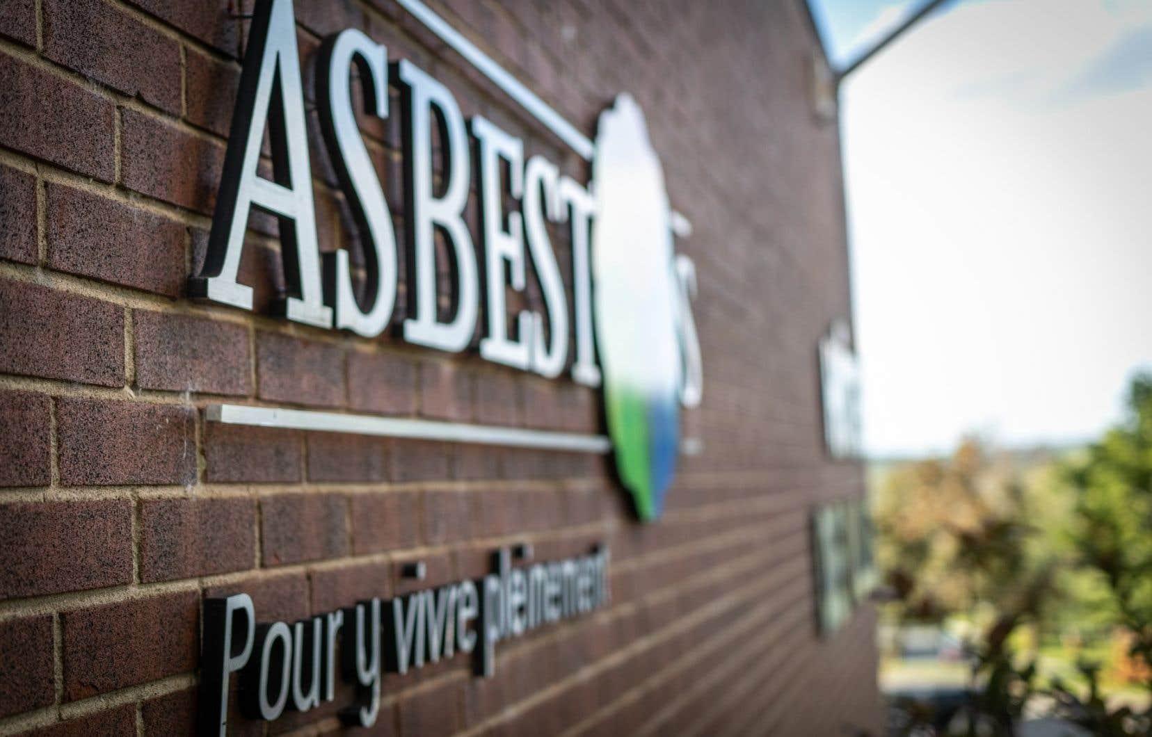 Asbestos a été nommée pour le minerai qui y a été extrait pendant plus d'un siècle.