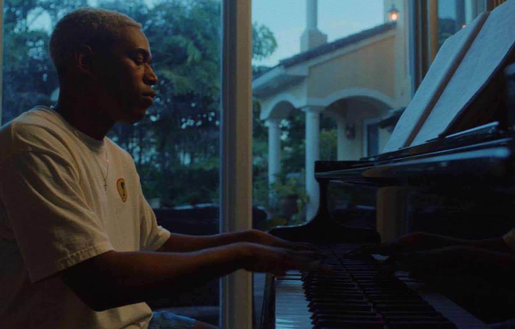 Kelvin Harrison Jr. est tout spécialement brillant dans le rôle de Tyler. Dans le rôle de sa sœur Emily, à qui la deuxième partie du long métrage est consacrée, Taylor Russell est tout simplement vibrante.