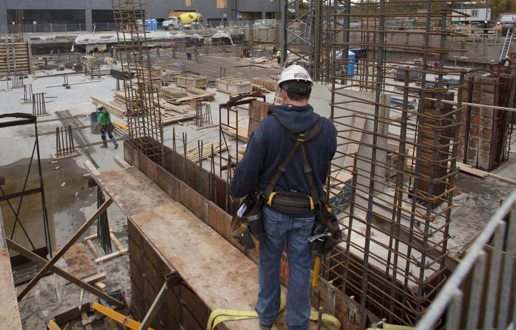 «Le gouvernement souhaite un effort supplémentaire des ingénieurs pour livrer à temps et à un juste prix des projets d'infrastructures», affirme l'auteur.