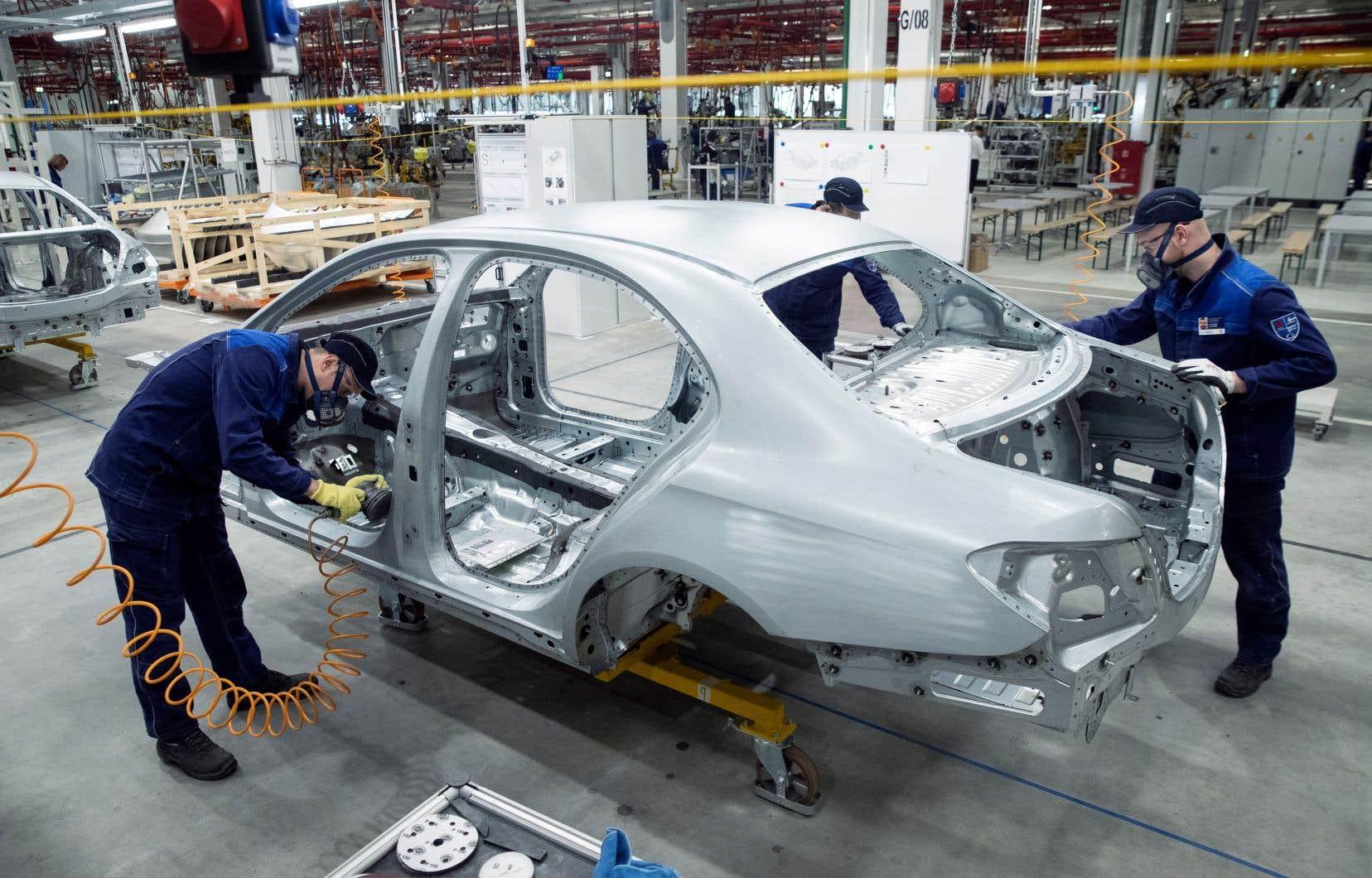 Daimler est le fabricant des automobiles allemandes Mercedes-Benz.