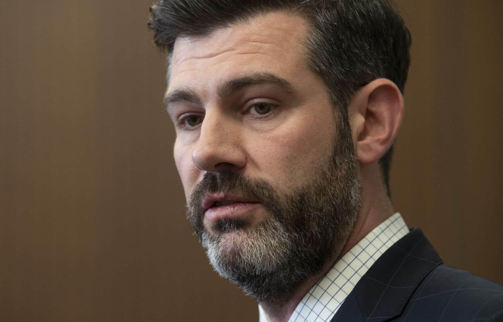 «Je pense que les droits de la personne méritent qu'on les défende et qu'on dise quelque chose», a exprimé le maire d'Edmonton, Don Iveson.