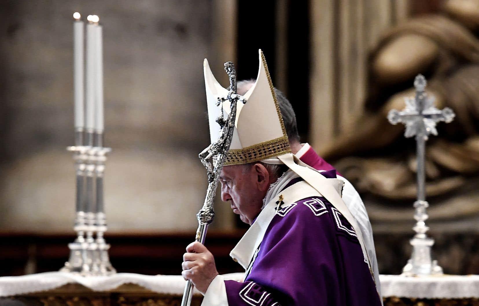 Le pape François, à la basilique Saint-Pierre dimanche
