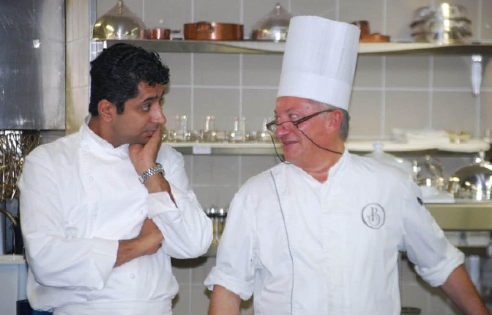 Sylvestre Wahid, à gauche, en compagnie de son sous-chef Bernard. <br />