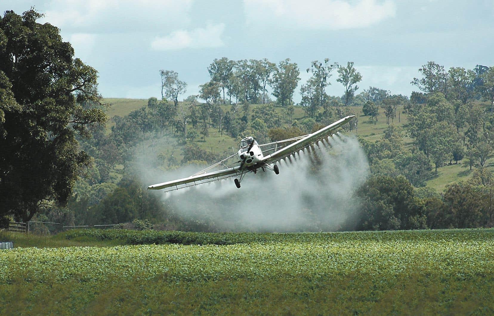 Cette commission spéciale visant à étudier l'effet des pesticides sur la santé et l'environnement avait été mise sur pied après le congédiement de l'agronome Louis Robert.