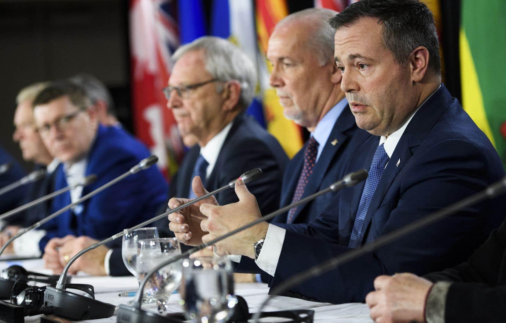 Les premiers ministres des 13 provinces et territoires canadiens étaient réunis à Mississauga, en Ontario, lundi.