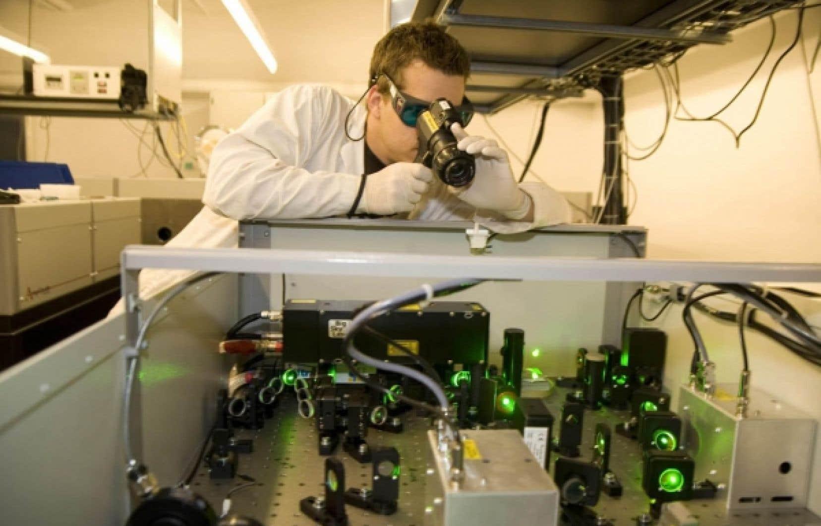Malgré sa petite taille, l'INRS, constituante de l'Université du Québec, se situe dans le peloton de tête des universités canadiennes quant à son intensité de recherche. <br />